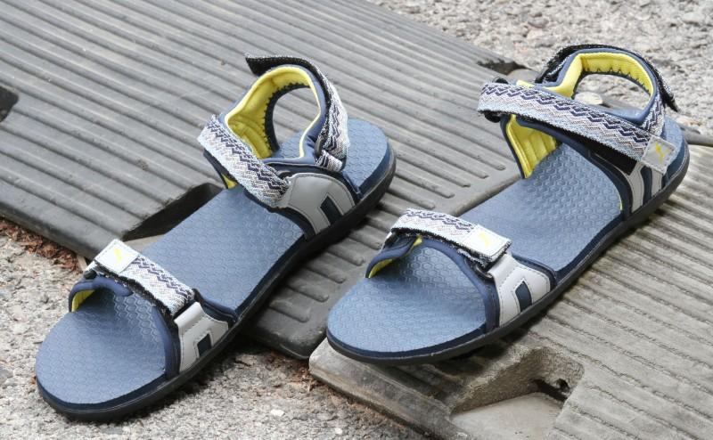 Puma Women dark denim-periscope-dandelion Sports Sandals