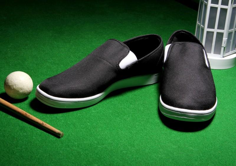 REEBOK COURT SLIP ST Loafers For Men(Black, White)