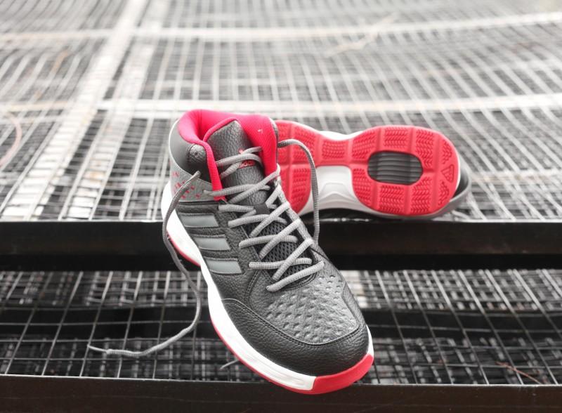 ADIDAS BASECUT Basketball Shoes For Men(Black)