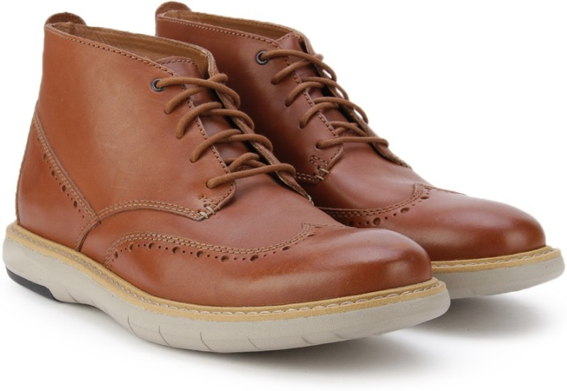 Clarks Flexton Mid Tan Leather Boots For Men(Brown)