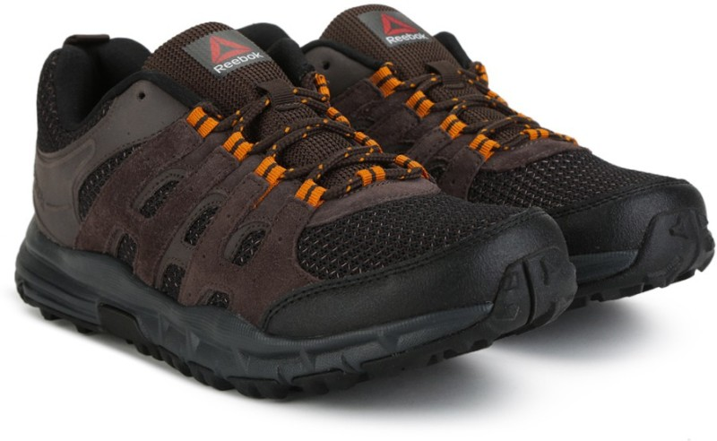 Reebok ADVENTURE VOYAGER Outdoor Shoes For Men(Black, Brown)