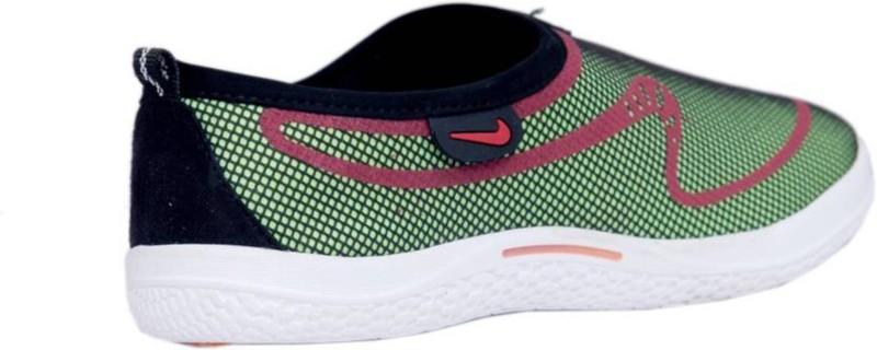 Clerk Boys Slip on Sneakers(Green)