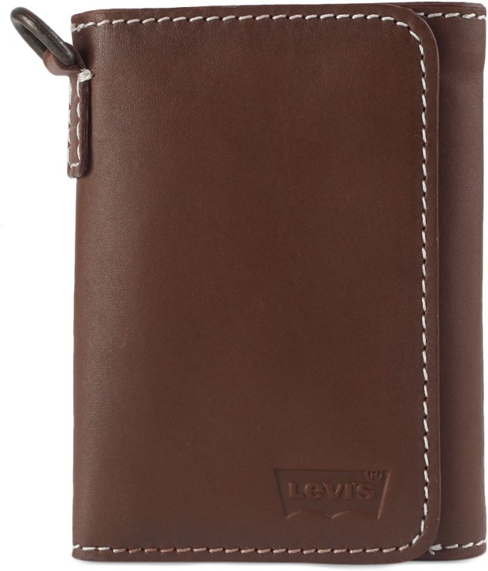 Levis Men Tan Genuine Leather Wallet(8 Card Slots)