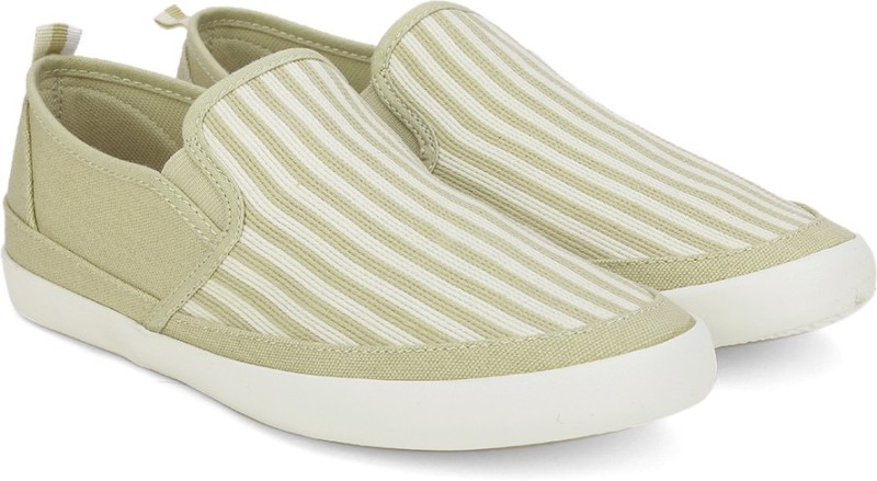United Colors of Benetton Sneakers For Men(Beige, White)
