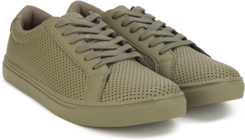 Flipkart - Men's Footwear UCB, Vans & more