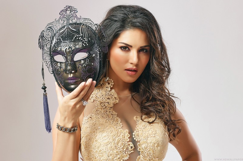Sunny leone in beimaan love Poster Paper Print(18 inch X 12 inch,...