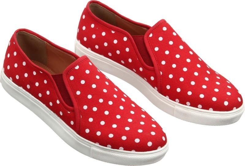 Flipkart - Catwalk, Adidas & more Women's Footwear