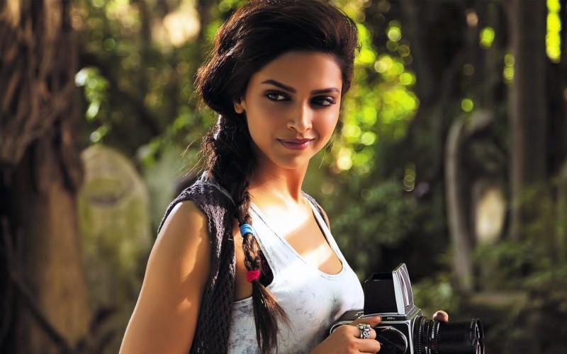 Celebrity Deepika Padukone Actresses India Woman Brunette Indian Actress Bollywood HD Wall...