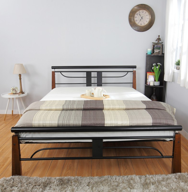 HomeTown Diamond Metal Queen Bed(Finish Color - Black)