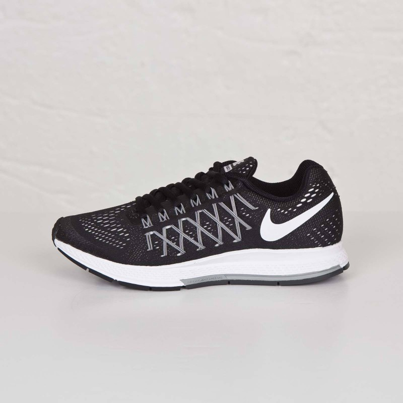 Nike Wmns Air Zoom Pegasus 32 Running ShoesBlack