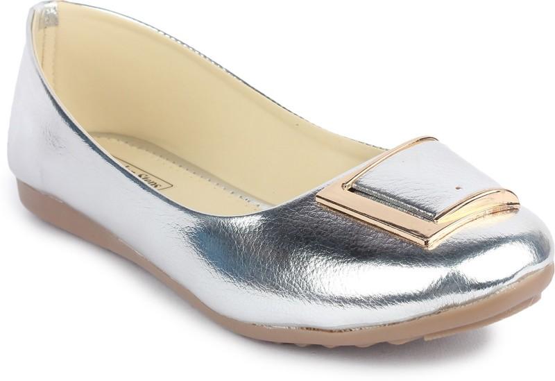 London Steps Women Silver Flats