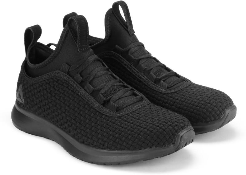 Reebok REEBOK PLUS RUNNER WOVEN Running Shoe For Women(Black)