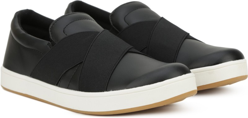 United Colors of Benetton Slip on Sneakers For Men(Black)