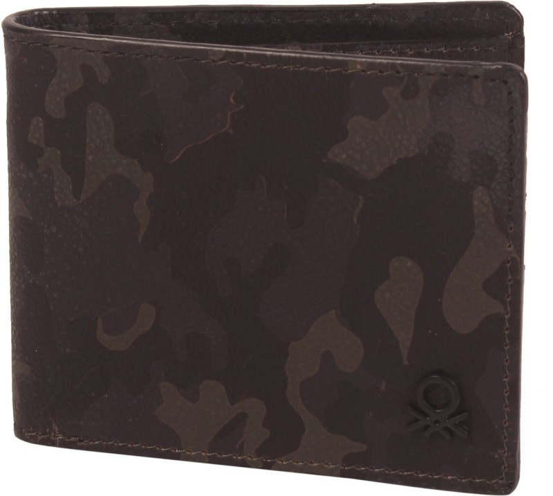 United Colors of Benetton Men Green Genuine Leather Wallet(6 Card Slots)