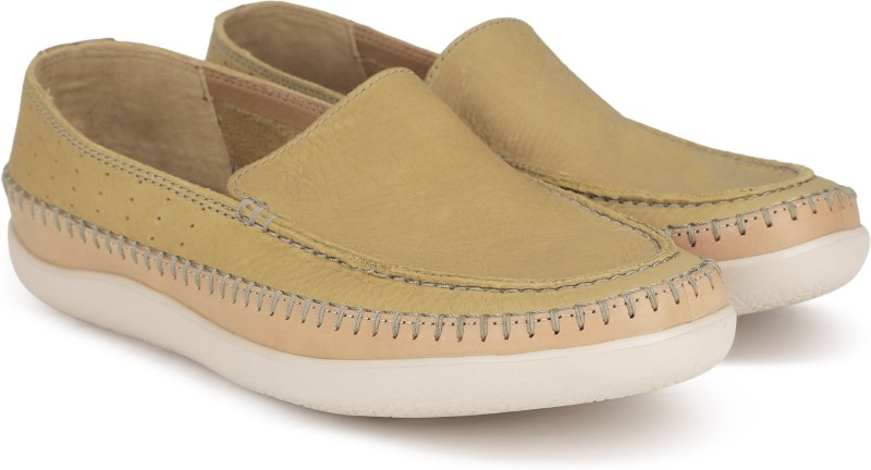 Clarks Veho Apron Tan Leather Loafer For Men(Tan, Beige)