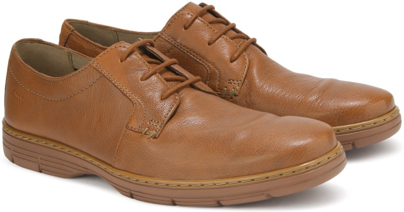 Clarks Watts Pace Tan Leather Formal For Men(Tan)