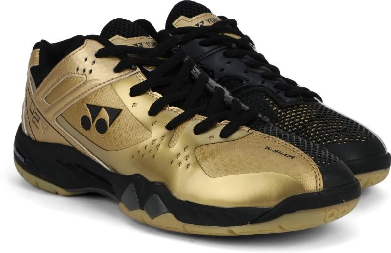Yonex SRCP02 Badminton Shoes For Men(Black, Gold)
