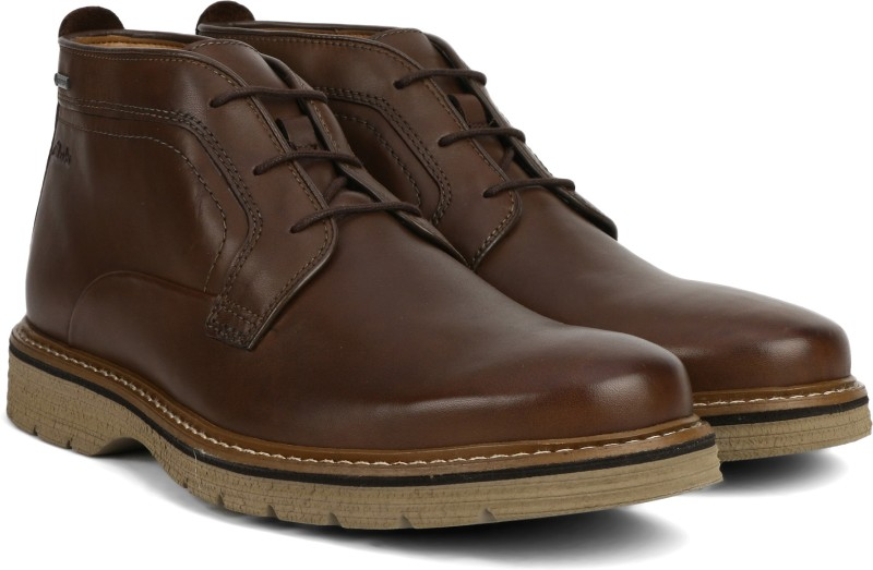Clarks Newkirk Up GTX Brown Leather Boots For Men(Brown)