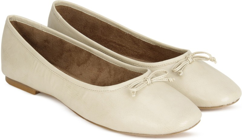 Carlton London CLL-4154 Bellies For Women(Off White)