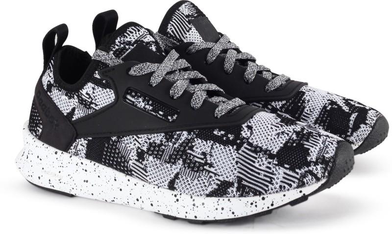 Reebok ZOKU RUNNER HH Running Shoes For Women(Black, White)