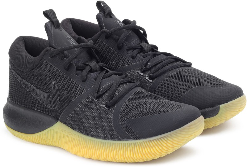 Nike ZOOM ASSERSION Basketball Shoes For Men(Black)