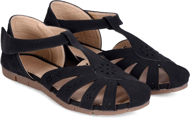 Meriggiare Women Black Flats