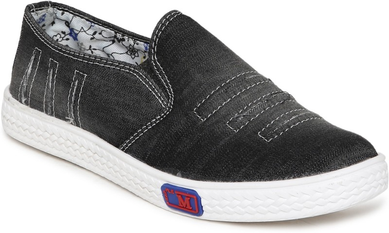 1 WALK 1 WALK MAPPLE COLLECTION ORIGINAL COMFORTABLE STYLISH WOMEN SHOES /SNEAKERS/COLLEGE WEAR/2018 LATEST COLLECTION/PARTY WEAR/CASUAL DRESSING WEAR/WEEDING WEAR-Black Casuals For Women(Black)