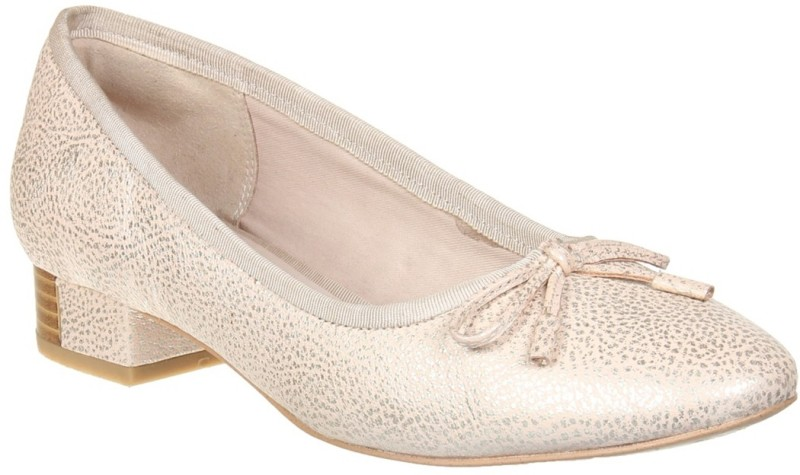 Clarks Casuals For Women(Gold)