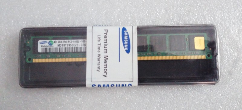 Samsung Premium DDR2 2 GB (Single Channel) PC SDRAM DDR2 (Original DDR2 2 GB (Single Channel) PC (DDR2 2GB DESKTOP RAM) (Green))