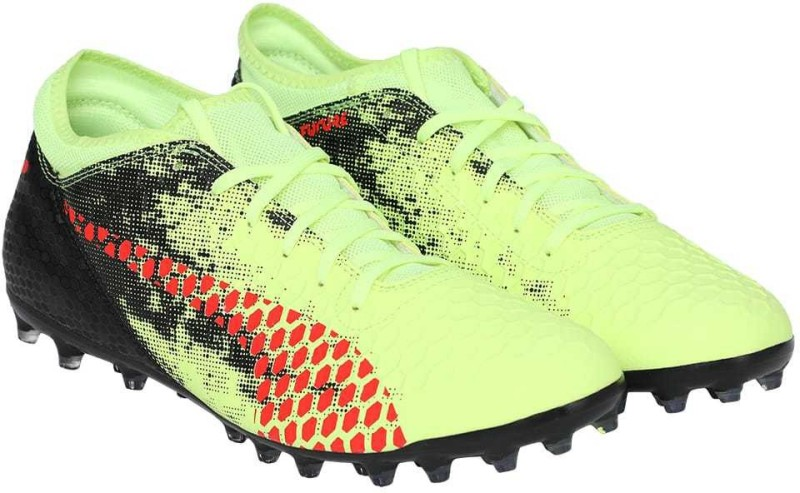 Puma FUTURE 18.4 MG Football Shoes For Men(Yellow)