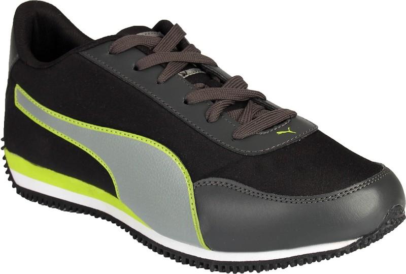 Puma Velocity Tetron Walking Shoes For Men(Black, Green)