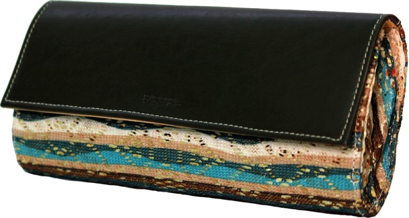 berserk-casual-multicolor-clutch