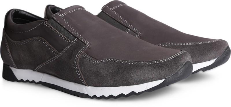 Bata WIESEL Loafers For Men(Tan)