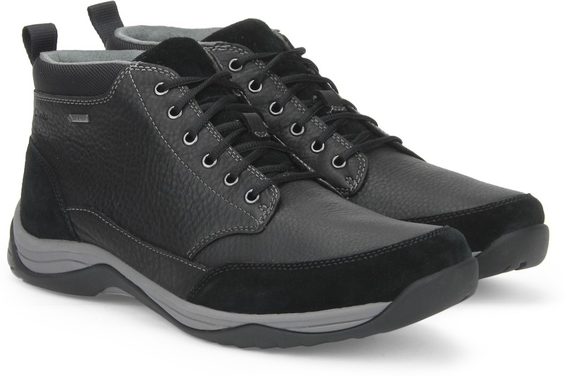 Clarks BaystoneTopGTX Black Leather Boots For Men(Black)