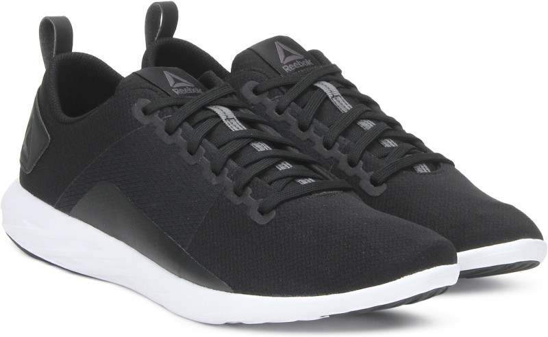 REEBOK ASTRORIDE WALK Walking Shoes For Men(Black)