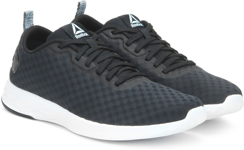 Reebok ASTRORIDE SOUL Walking Shoes For Men(Black)
