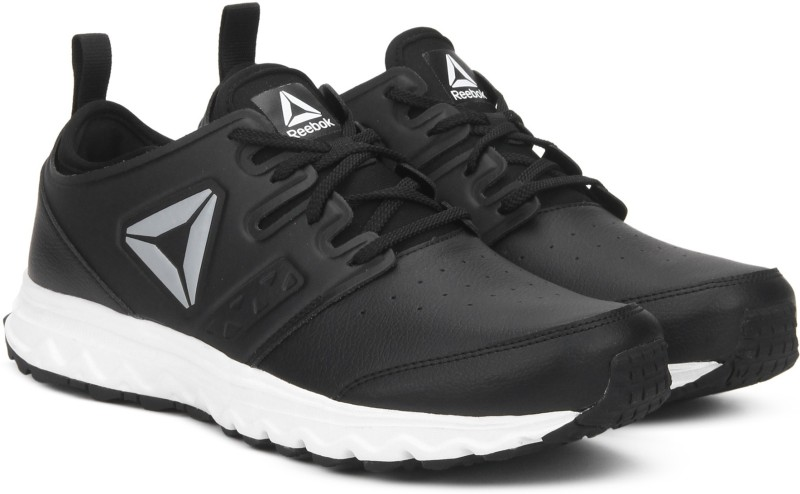 REEBOK WALK OPTIMUM XTREME Running Shoes For Men(Black)