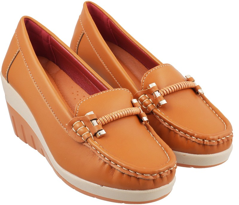Mochi Trendy Loafers For Women(Tan)