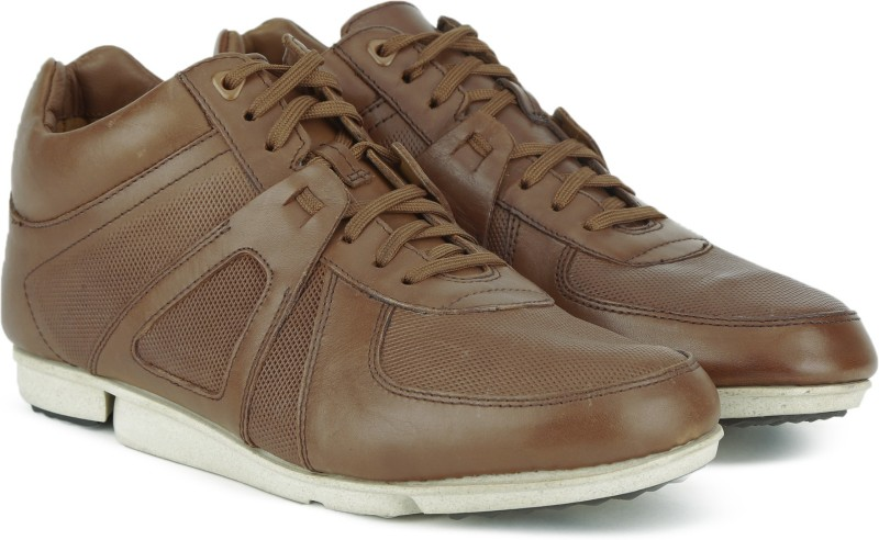0f1b445b86f4 Clarks Men Casual Shoes Price List in India 26 July 2019   Clarks ...