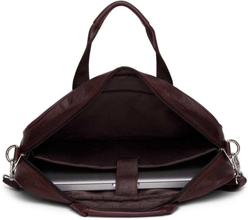 WildHorn Men Brown Messenger Bag