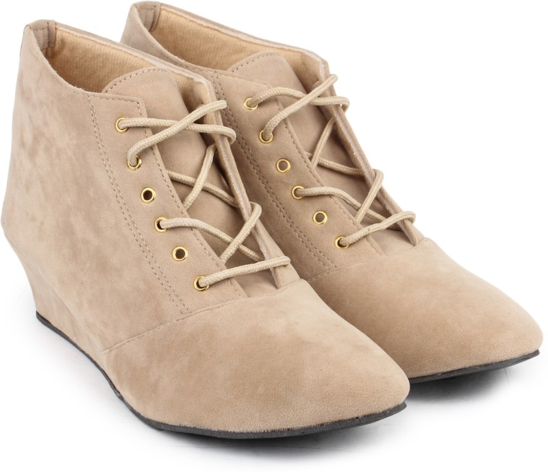 Ross & Rack Boots For Women(Beige)
