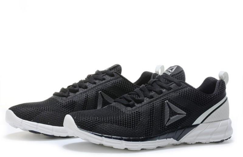 REEBOK CLASSICS Print Run 2.0 Running Shoes For Men(Black, White)
