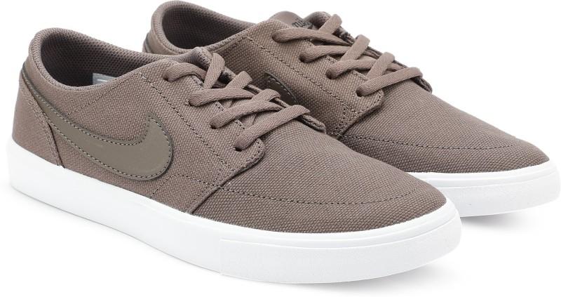 8fe421c4e502 Nike NIKE SB PORTMORE II SOLAR CNVS Sneakers For Men(Brown)