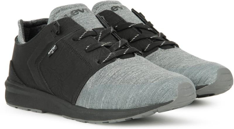 Levis BLACK TAB RUNNER Casual For Men(Black, Grey)