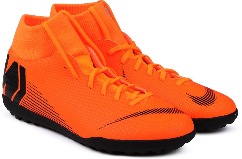 Nike SUPERFLY 6 CLUB TF Football Shoes For Men(Black, Orange)