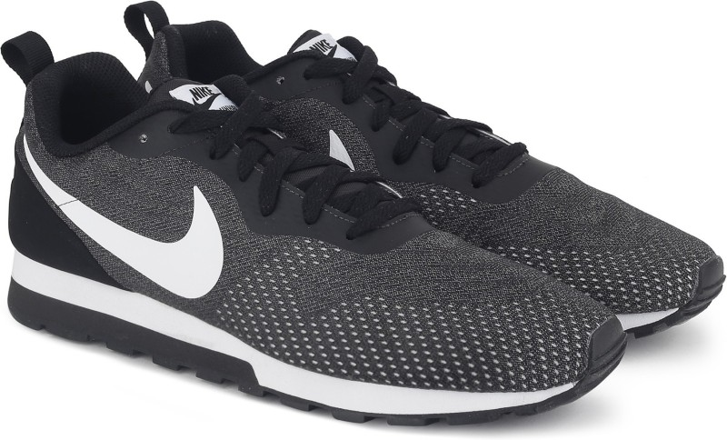 Nike MD RUNNER 2 ENG MESH Sneakeres For Men(Black, Grey)