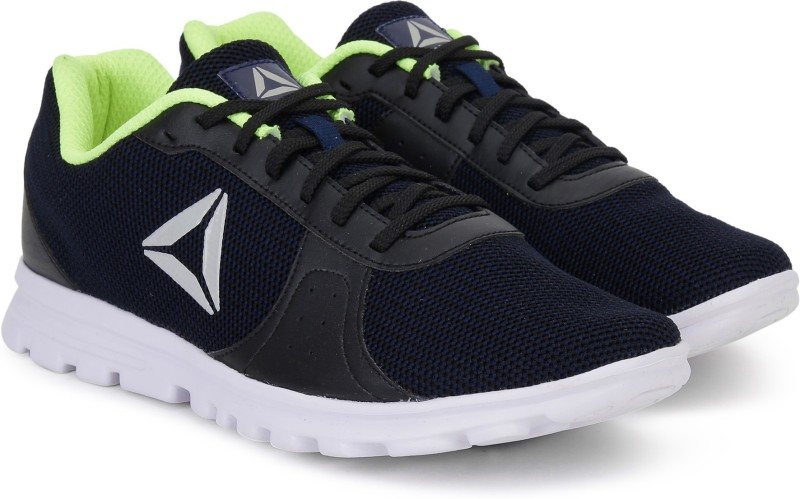 REEBOK RUNTHUSIASTIC Running Shoes For Men(Black)