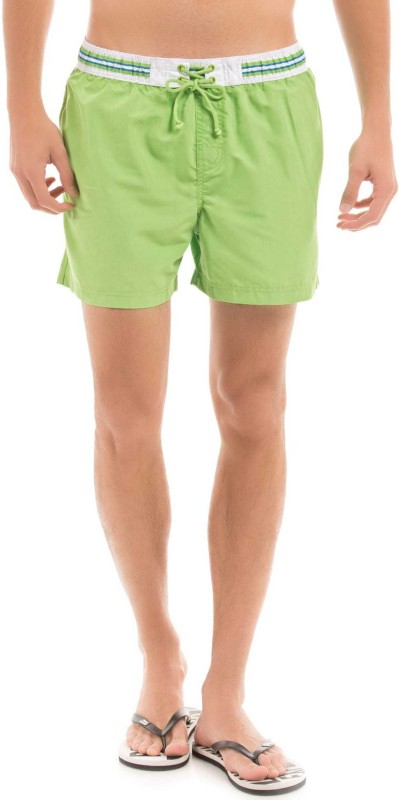 Izod Solid Men Green Regular Shorts