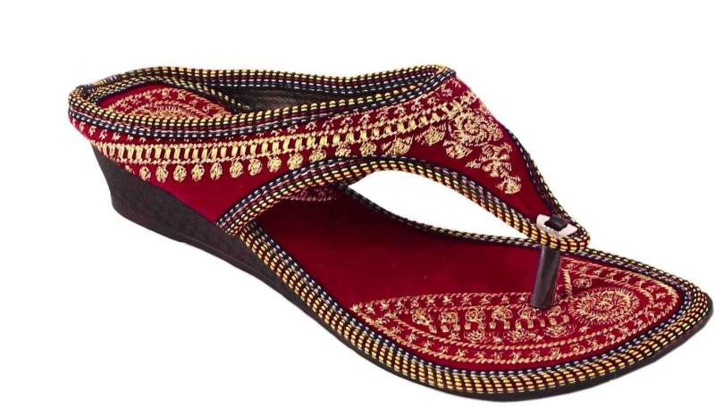 AMAZING TRADERS Women Maroon Flats