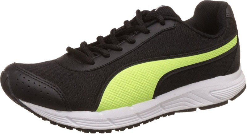 Puma 36483401-7 Walking Shoes For Men(Black, Green)